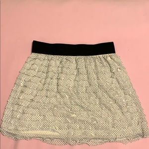 Dresses & Skirts - NWOT Poke a dot on white skirt